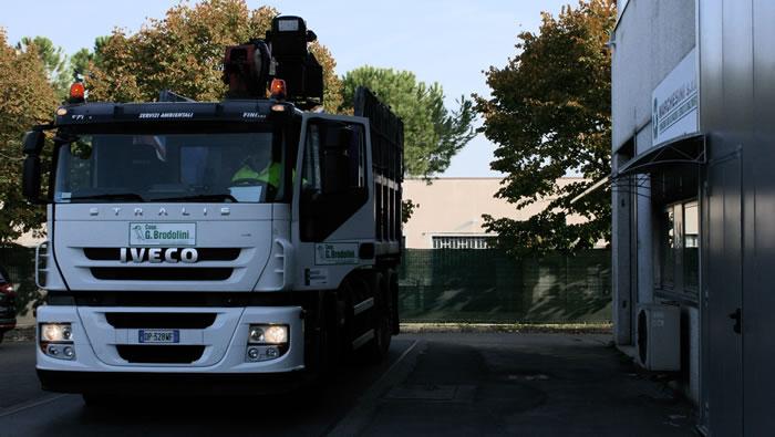 mezzi trasporto rifiuti bologna